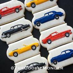 Vintage Cars #TheCookieMonger #cookies #cookiesofinstagram #customcookies #icedcookies #decoratedcookies #carcookies #classiccar #vintagecar #vintagecarcookies #classiccarcookies #rollsroyce #cadillac #mustang #camaro #hotrod #hotrods #bakersfield #kerncounty