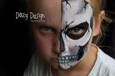 Pix For > Half Skull Face Painting Half Skull Face Paint, Half Skeleton Face, Zombie Face Paint, Skeleton Face Paint, Cool Face Paint, Face Paint Makeup, Sfx Makeup, Costume Makeup, Maquillage Halloween
