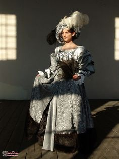 Reconstruction of Basel's townswomen's dress, based on a drawing by Hans Holbein. Skirt made with a textile, imitating silken tabin.