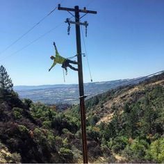 Via - Tell me again how good your view is from your office? I'll beat it doesn't beat mine. Lineman Love, Line Worker, Love And Co, Beats, Electric, Country, Awesome, Instagram, Electrical Safety