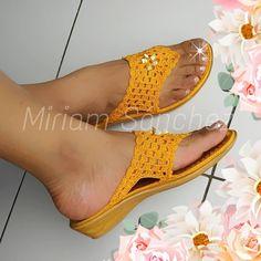 Crochet Boot Socks, Crochet Slipper Boots, Knit Shoes, Crochet Shoes, Crochet Slippers, Crochet Clothes, Crochet Boat, Crochet Baby Sandals, Crochet Triangle