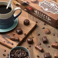Happiness is coffee and chocolate Chocolate Box, Chocolates, Happiness, Coffee, Tableware, Fotografia, Kaffee, Dinnerware, Bonheur