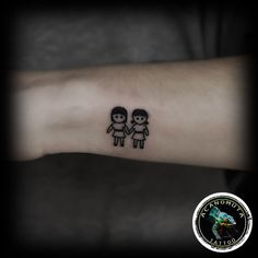 Απο τα πιο girly tattoo που ειναι πλεον στην μοδα..ιδανικο για ολες τις γυναικες κ για ολες τις ηλικιες..