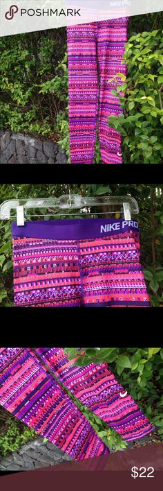 NIKE PRO Dri fit hyper warm tight leggings M NIKE Pro hyper warm tight size M gently worn like new condition! very comfy and cute! Nike Pants Leggings