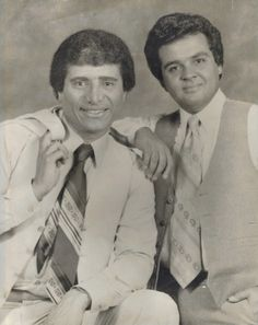 Richie Ray and Bobby Cruz, in the years of their youth. Way before fame had arrived. Music Icon, Soul Music, Puerto Rican Music, Musica Salsa, Puerto Rico Island, Puerto Rican Cuisine, Puerto Rico History, Salsa Music, Latin Artists