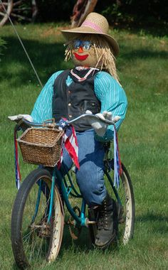 Ideas for Making Scarecrows: Biking Figure With Classic Scarecrow Hat