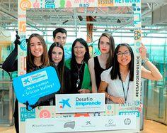 Entrega del Premio Desafío Emprende 2015 a los cinco equipos finalistas