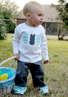 Easter bunny shirt- could DIY the appliques
