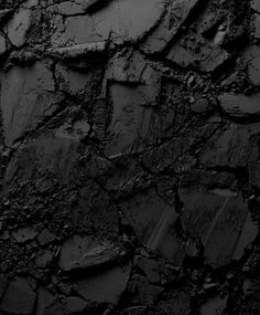Black Texture - Now that it's officially fall, I thought I'd continue in my color series of posts and write about black, all black everything. While there's some debate if black is actually a col… Back To Black, Black And White, Charcoal Black, Charcoal Soap, Pink Black, Art Texture, Malbec, Black Gold Jewelry, Pics Art