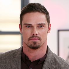"""It's """"Beast 2.0""""! Beauty and the Beast's Jay Ryan Explains the Show's New Direction"""