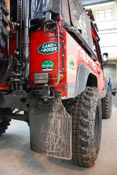 Team Land Rover Philippines. This thing is my ultimate wish for an off-roader and SUV.