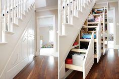 Escalera con armario