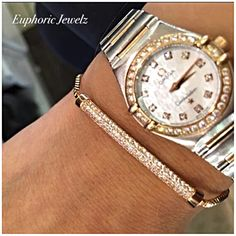 Item #: DC-PSZ-BATB-S-111, GC-PSZ-BATB-G-111 *DAINTY COLLECTION* A modern pavé Swarovski Zirconia Crystal bar design for a chic stacked/layered look. DETAILS & CARE Adjustable (fits most wrist widths). Toggle clasp closure. Pavé Swarovski Zirconia crystal. Sterling Silver 14k Rose Gold Handcrafted exclusively by Euphoric Jewelz. Designed and made in the USA of imported materials. Shop this product here: http://spreesy.com/EuphoricJewelz/9 Shop all of our products at…