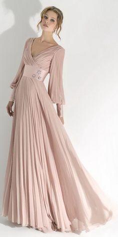Стильная штучка: Длинное платье с длинным рукавом - это невероятно красиво!