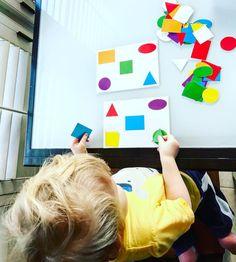 Ako zabaviť aj tie najmenšie deti? 12 tipov na montessori hry pre batoľatá do 2 rokov - Najmama.sk Montessori, Playing Cards, Games, Instagram Posts, Libros, Playing Card Games, Gaming, Game Cards, Plays