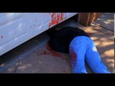 Bloederig versierd Halloweenhuis schokt buurt - YouTube