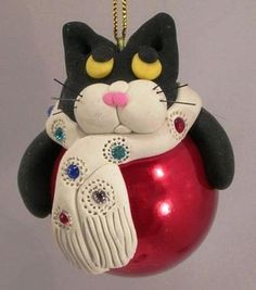 Image detail for -Polymer Clay and Glass Christmas Ornaments/ how easy this could turn into a Dani. Polymer Clay Cat, Polymer Clay Ornaments, Polymer Clay Christmas, Polymer Clay Figures, Cat Christmas Ornaments, Christmas Cats, Handmade Christmas, Christmas Tree Inspiration, Ornament Tutorial