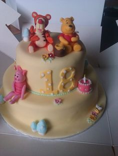 winnie the Pooh  Cake by tiger