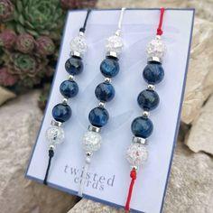 💎 MÚZSA - PRÉMIUM féldrágakő zsinór karkötő sterling ezüsttel 💎 . PRÉMIUM zsinór karkötő kianittal (féldrágakő), hegyikristállyal, hematittal és sterling ezüsttel. Paracord, Drop Earrings, Jewelry, Fashion, Jewellery Making, Moda, Jewerly, Jewelery, Fashion Styles