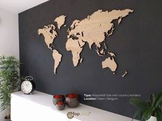 MapaWall wooden world map Oak with country borders Mappemonde en bois Wood World Map, World Map Decor, World Map Art, Decoration Entree, Wooden Map, Map Wall Decor, Creation Deco, Diy Décoration, Diy Room Decor