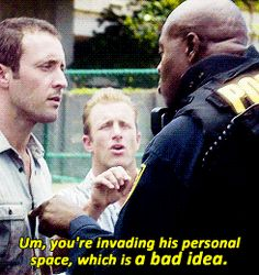 #hawaii five 0 #alex o'loughlin #scott caan #4.01
