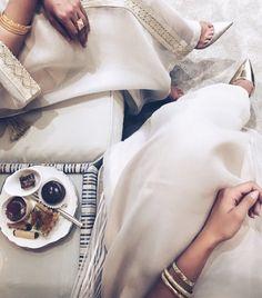 IG: Maryametch || Modern Abaya Fashion || IG: Beautiifulinblack