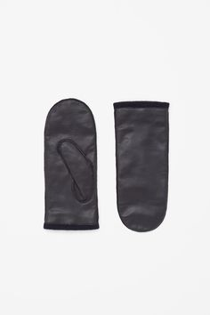 A clean, modern design, this mittens are made from soft buttery leather and are lined in cashmere for extra warmth. Mitten Gloves, Mittens, Cold Weather Fashion, Laid Back Style, Urban Outfits, Wearing Black, Wool Blend, Headbands, Style Me