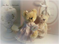 shaz Bears sells and makes hand made Mohair bears and teaches teddy bear making classes and sells mohair bear kits to do at home Fuzzy Wuzzy, Australian Artists, Teddy Bears, Miniatures, Toys, Handmade, Animals, Activity Toys, Hand Made