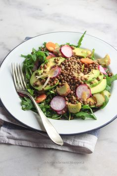 Insalata di avocado e lenticchie