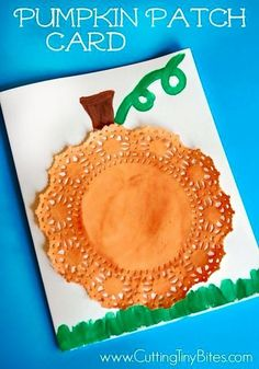 or Halloween pumpkin patch card craft for preschool or elementary children. Simple materials, eFall or Halloween pumpkin patch card craft for preschool or elementary children. Simple materials, e Preschool Art Projects, Daycare Crafts, Fall Preschool, Kids Crafts, Preschool Kindergarten, October Preschool Crafts, Pumpkin Preschool Crafts, Fall Crafts For Preschoolers, Snowman Crafts