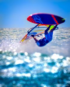 Windsurfing in Jericoacoara, Brazil Surfing Tips, Surfing Photos, Sup Surf, Water Photography, Big Challenge, Windsurfing, Big Waves, Extreme Sports, Surfboard