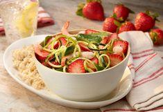 Strawberry Shrimp Zucchini Noodle Bowl Recipe - Fruits & Veggies More Matters : Health Benefits of Fruits & Vegetables Blueberry Salad, Strawberry Blueberry, Strawberry Recipes, Fruit Recipes, Veggie Recipes, Vegetarian Recipes, Fruit Benefits, Health Benefits, Honey Shrimp