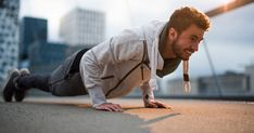 Young male athlete doing push ups in city centre at sunset. Fitness Herausforderungen, Planet Fitness Workout, Physical Fitness, Fitness Motivation, Cardio Workout At Home, Workout Schedule, Fun Workouts, At Home Workouts, Push Up Challenge