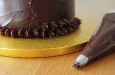 How to Make a Reindeer Cake #christmas #baking #reindeer #reindeercake