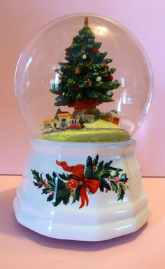 "Pfaltzgraff ""O Christmas Tree"" Musical Snow Globe with Train at tree base #greenwhite"
