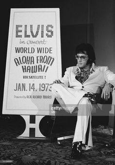 pictured-elvis-presley-during-a-promotional-interview-at-the-las-in-picture-id141292231 (717×1024)
