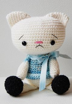 Amigurumi Spanky the Cat- pattern 5.00..........she's sad like us missing you darling Vylette and wonders WHY WHY this horrible thing happened<3<3<3