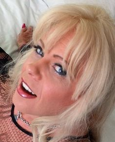 British Tgirl Joanna Jet Reappears On Shemale Yum