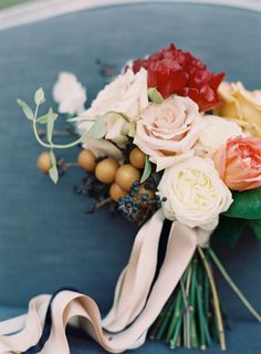 Jewel toned Fall wedding inspiration | Photo by Odalys Mendez