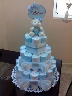 Best 11 Diaper cake baby shoer present – SkillOfKing. Baby Shower Crafts, Baby Girl Shower Themes, Baby Shower Decorations For Boys, Baby Shower Fun, Baby Shower Centerpieces, Baby Decor, Baby Shower Baskets, Baby Shower Diapers, Baby Gift Baskets