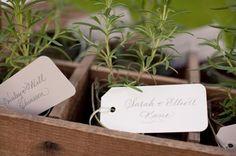 Potted herb favours. #cottagegarden #summerwedding #weddingfavours