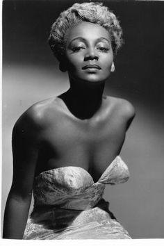 Black Women Art, Beautiful Black Women, American Dress, Vintage Black Glamour, Glamour Shots, Black Pride, Old Hollywood Glamour, Black Power, Classy Women
