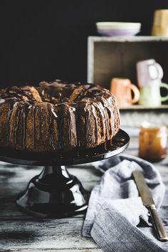 Salted caramel, chocolate marbled bundt cake - Ciambella marmorizzata al caramello salato e cacao