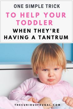 Toddler tantrums are so common but they can be so hard to deal with. This post will show you how to deal with your toddler's tantrums without using time-outs or punishments. Parenting Classes, Parenting Toddlers, Parenting Styles, Parenting Books, Gentle Parenting, Parenting Advice, Parenting Quotes, Peaceful Parenting, 3 Year Old Tantrums