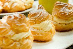 Diplomat Cream Recipe for Heavenly Cakes and Pastries - La Cucina Italiana Custard Recipes, Cream Recipes, Sweet Recipes, Snack Recipes, Dessert Recipes, Diplomat Cream Recipe, Just Desserts, Delicious Desserts, Zeppole Recipe