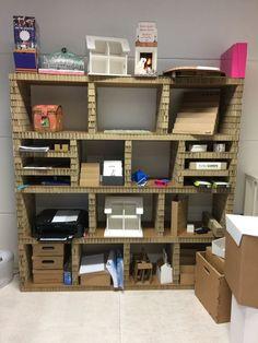 Honeyboard Kartonnen kast van honingraat karton Karton Design, Bookcase, Shelves, Doors, Bed, Furniture, Home Decor, Shelving, Decoration Home
