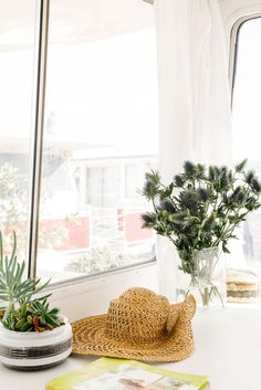"""What Living On A Boat Is REALLY Like #refinery29  http://www.refinery29.com/kyleigh-kuhn-houseboat#slide-16  You recently opened up a workspace in S.F. called The Clementina, at the same time you were doing this, how did you balance both projects?""""It was nuts. We would often divide and conquer, but tools would be split between both projects, driving us crazy. I really thrive on juggling many projects, so there..."""