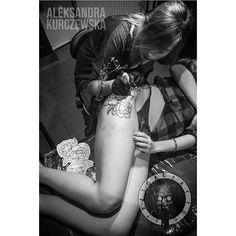 At work 😊 #blackandwhite #work #tattoo #tattooedgirls #legtattoo #girls #work #tattoogirl #tattooartist #creative #mood #instagood #instatattoo #instaart