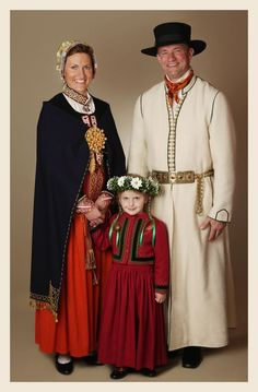 Latvian folk  dress 18-19 centuries