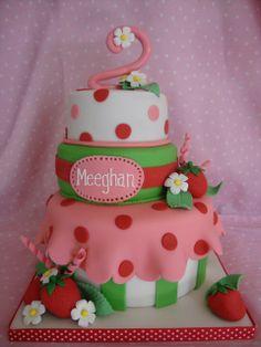 Strawberry shortcake themed birthday cake Torta Minnie Mouse